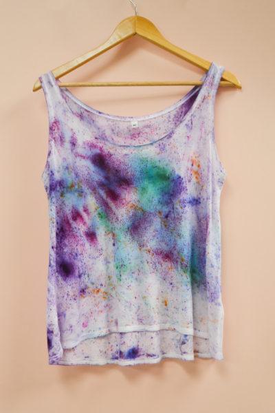 Emilie-Fourquet_debardeur01_peintre-textile_blue_madone-shop