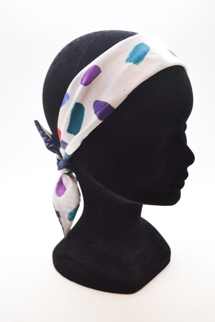 Emilie-Fourquet_foulard07_peintre-textile_blue_madone-shop